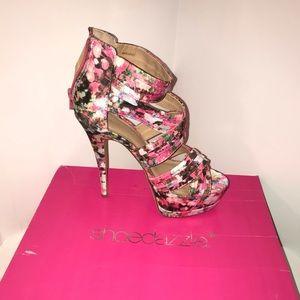 Shoe dazzle Floral Heel